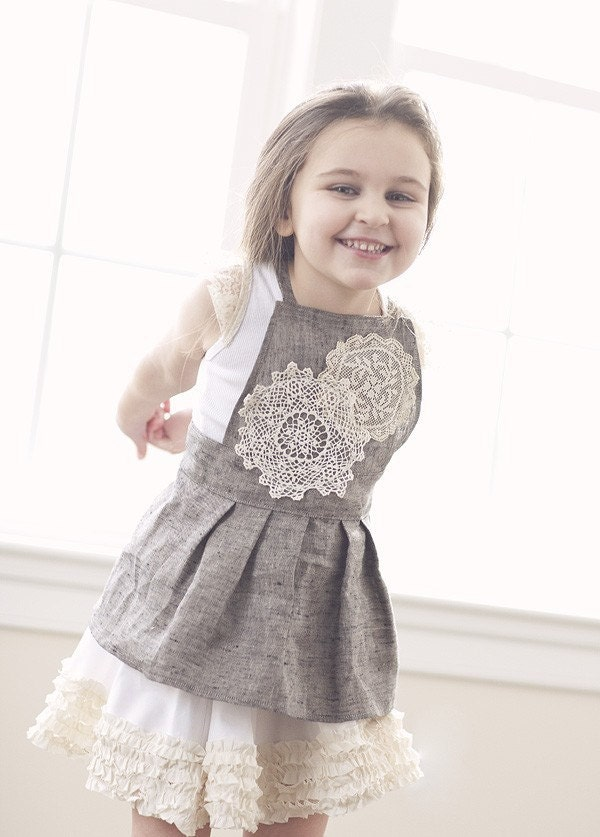 Titania - Grey linen apron pinafore with vinatge crochet and lace detailing