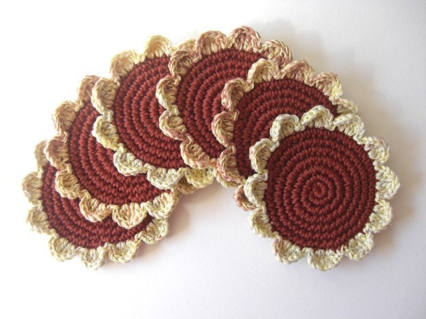 Terracota e flores creme Coasters Mix.  Café madeira Tea Terra Brown Canela Bebidas Decor Crochet Daisy Collection - Conjunto de 6