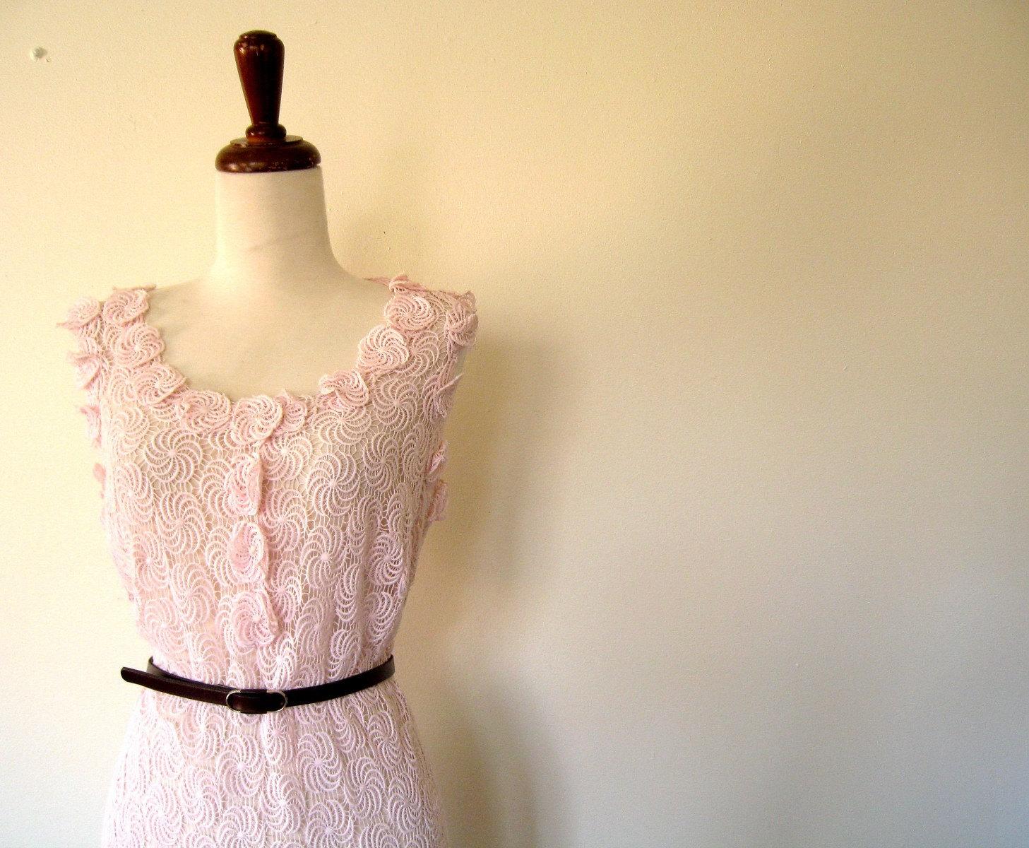 vintage 60's PINWHEEL LACE Open Work Pale Pink Dress