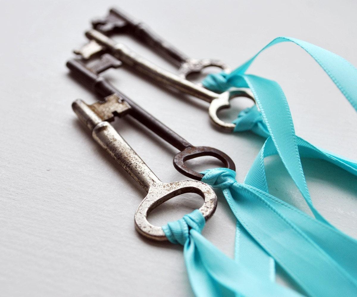 secret garden - antique key necklace (LAST ONE)