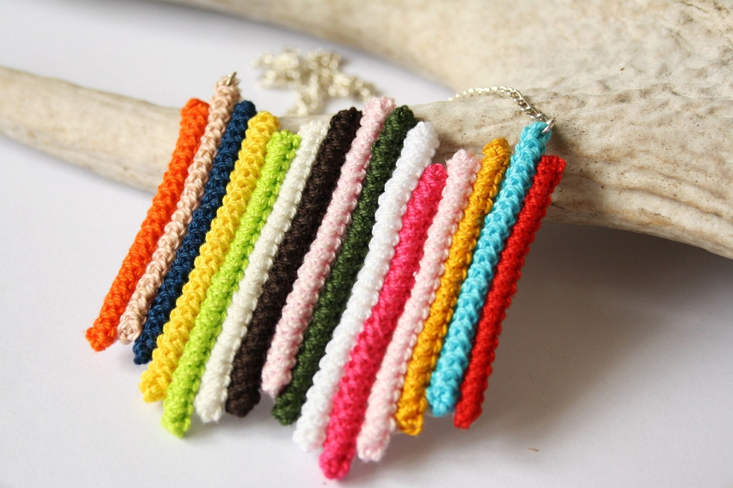striped - handmade colorful crochet line necklace