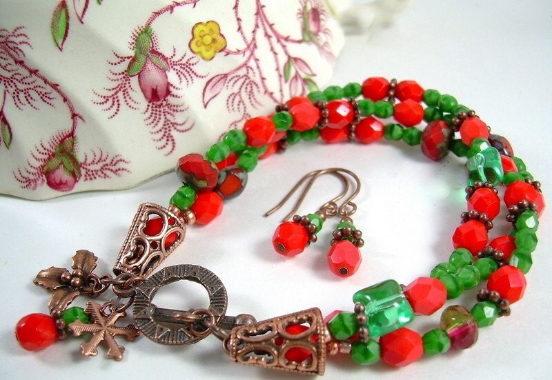 Holly and Ivy - Czech Bead Bracelet