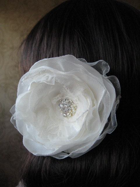 "Bridal ivory flower -  lace Hair clip  head piece ""La Perle"" swarovski rhinestone,  pearls Flower Rose accessory, fascinator"