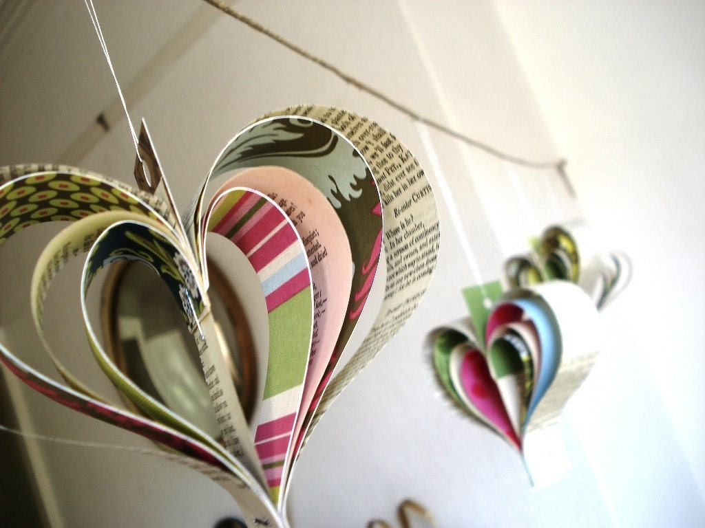 Paper Shakespearean garland of hearts