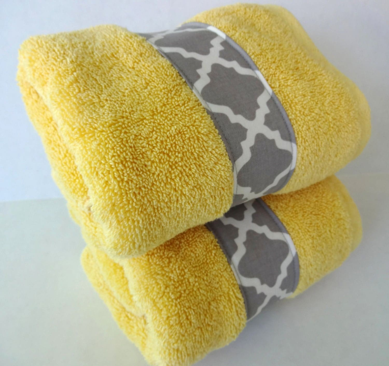 set of 2 bathroom hand towels in yellow and grey by augustave. Black Bedroom Furniture Sets. Home Design Ideas