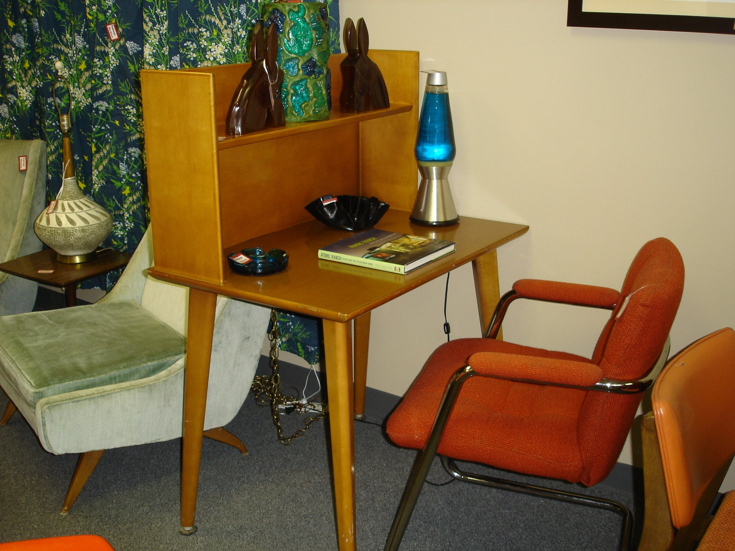 Mid Century Gaylord Library / Student Desk