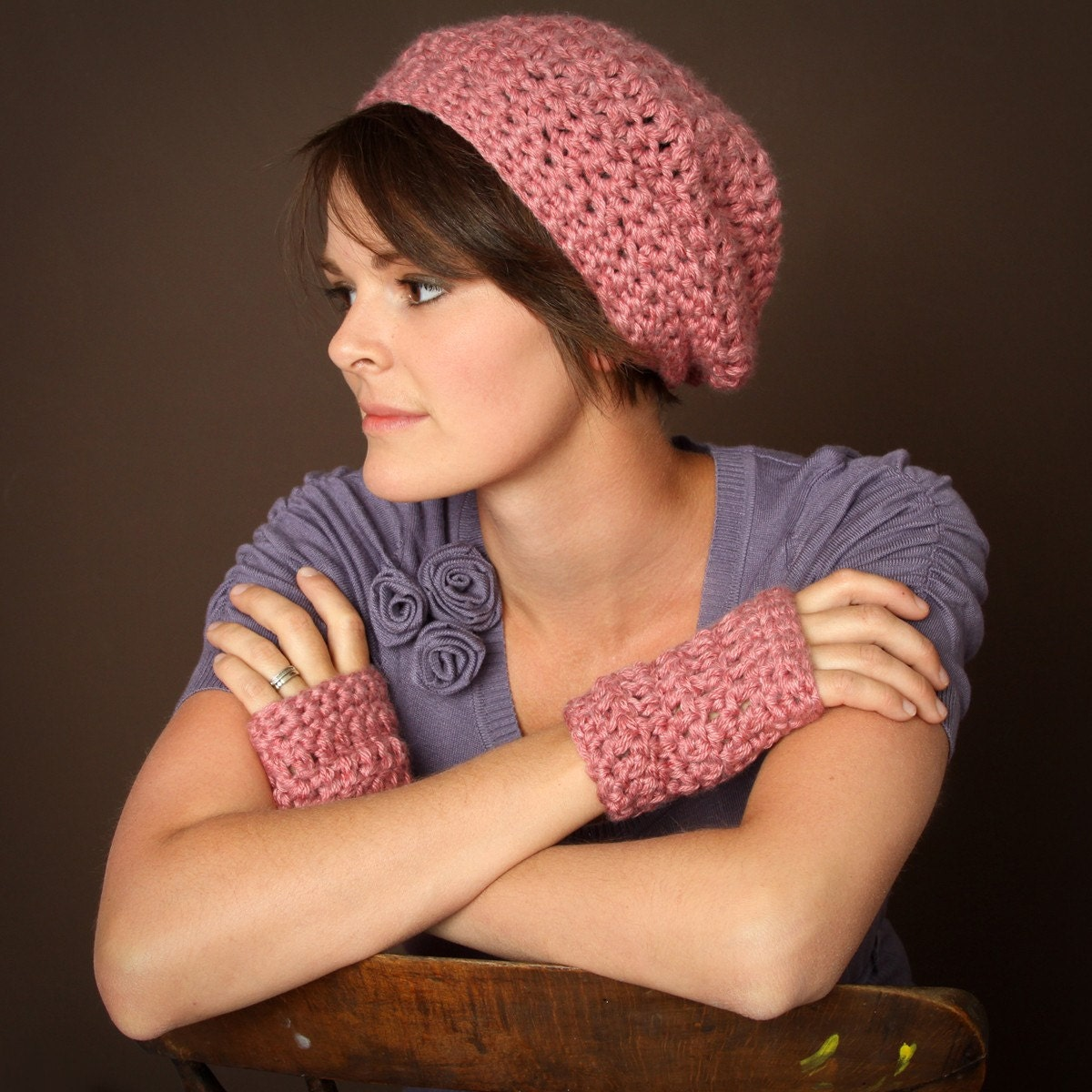 Ladies Pink Slouchy with matching Wrist Warmers