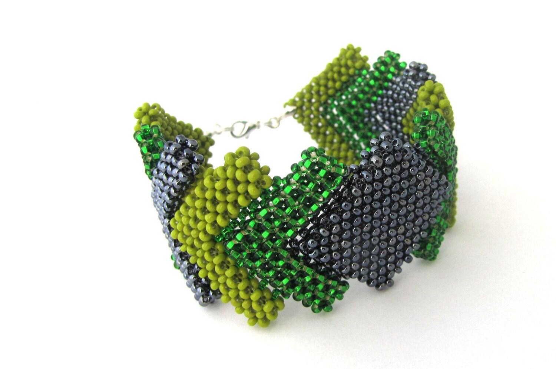 Beaded bracelet, cubic RAW squares, green bracelet, hematite - Magicbeading