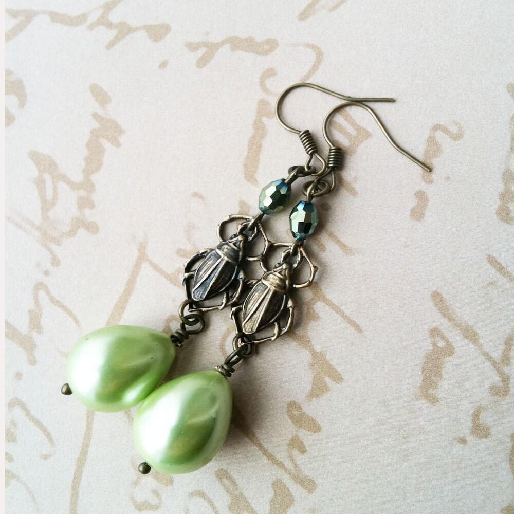 Green Pearl Scarab Dangle Earrings - Egyptian - Bug Earrings - pulpsushi