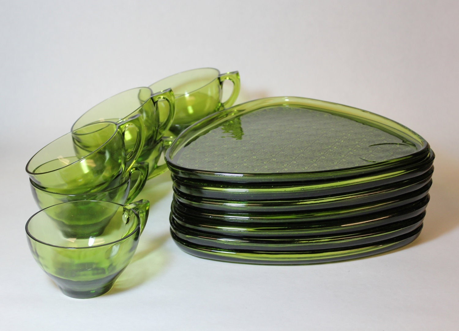 GLASS TEA SET - Mid century, retro triangle snack plates and tea cups in green glass x7 (c.1950s-60s)