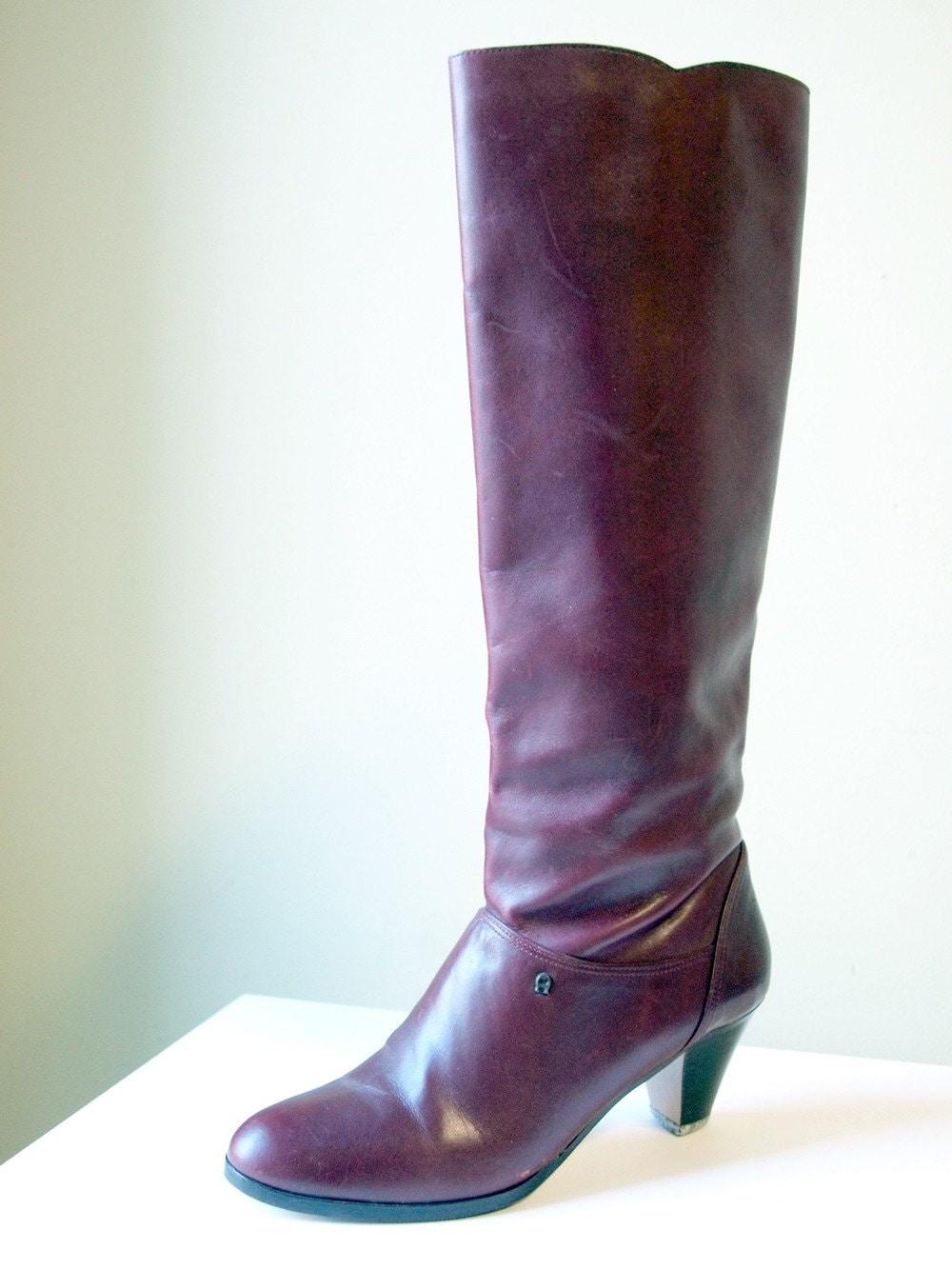 Maiden Voyage -  Maroon Vintage Etienne Aigner Boots - Size 8N