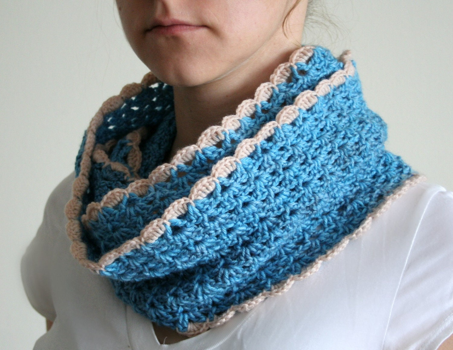 Infinity Scarf Cowl crochet pattern scalloped edge by ...