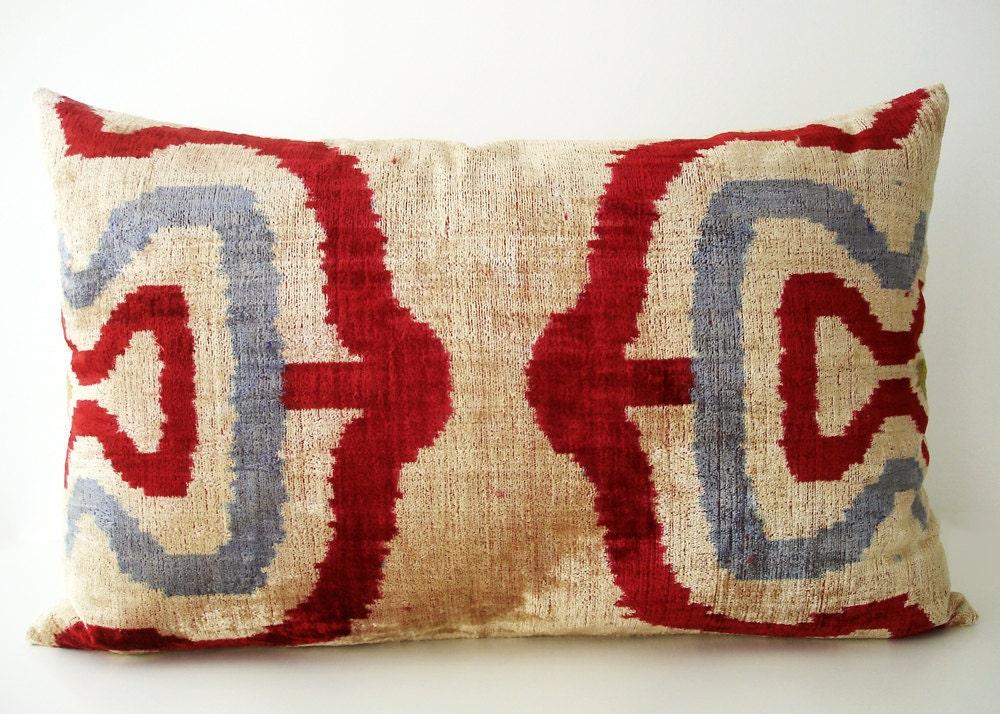 SALE - Soft Hand Woven - Silk Velvet Ikat Pillow Cover - 15x22