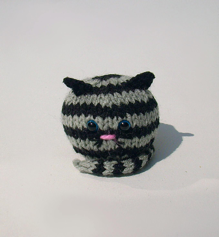 Amigurumi Tabby Cat : Knitted fat cat amigurumi silver tabby kitty handmade by ...