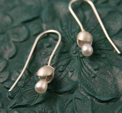 Sterling Silver Baby-doll Oyster Earrings