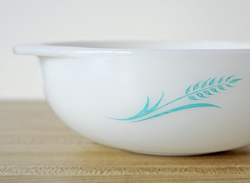 Pyrex Blue Wheat Hostess Casserole