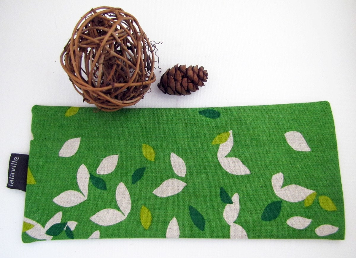 Fresh from Vermont lavender eye pillow in Woodland green
