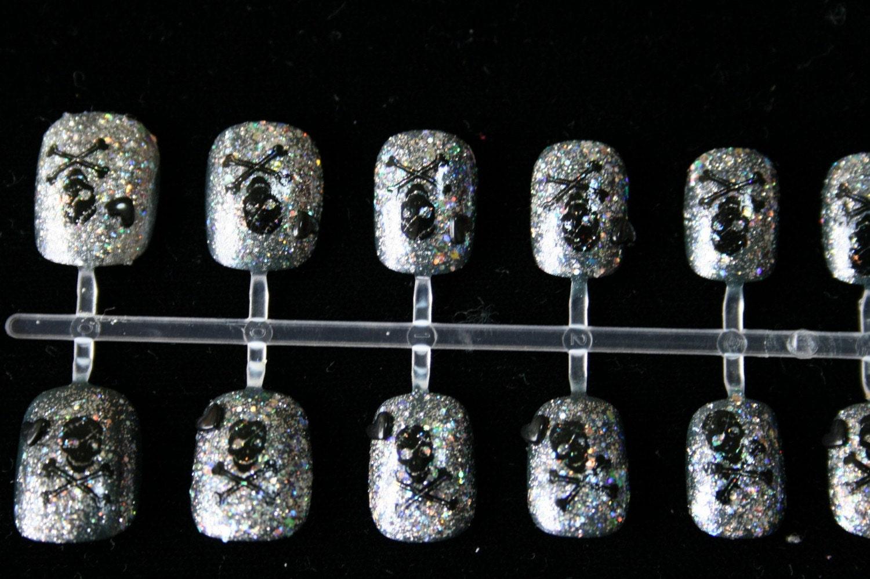 5 Dollar SPECIAL- Silver Glitter Skullz Japan Nail Art