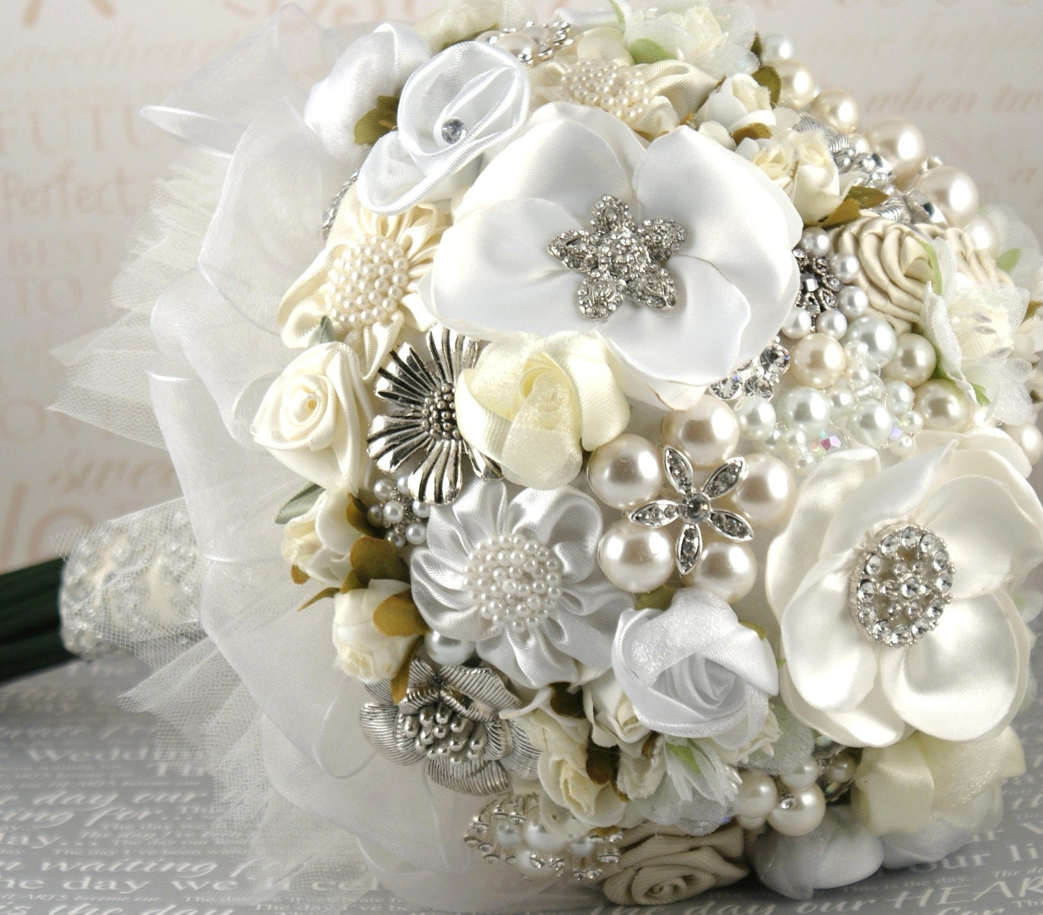 Brooch bouquet for wedding...which to choose? Or go back to fresh flowers? :  wedding Il 570xN.228928968.jpg