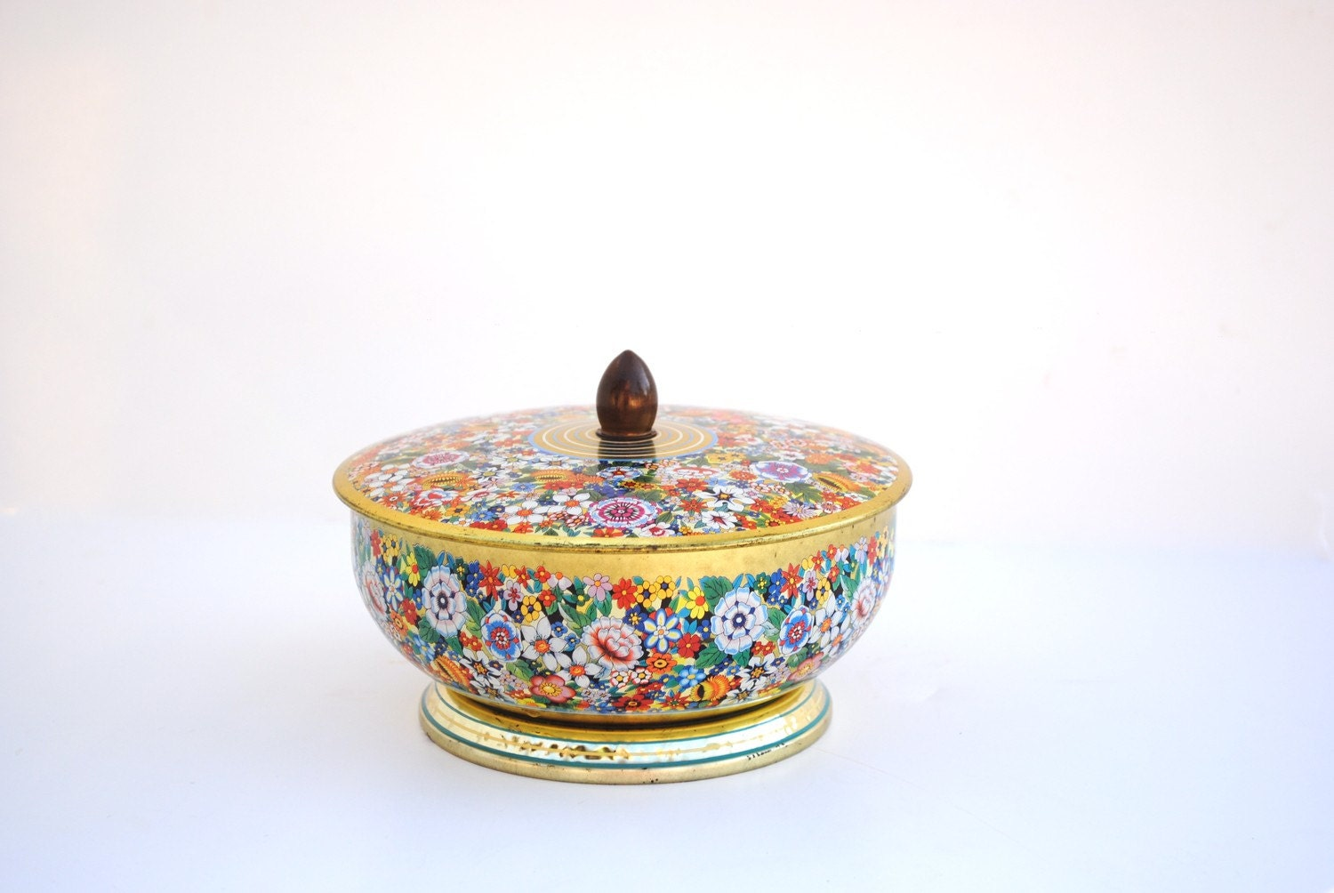 Vintage English Short Round Floral Tin with Lid