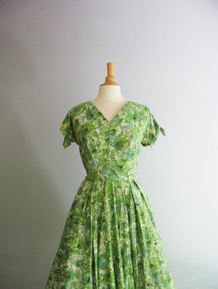 Vintage 1950's Mint Daisy Dress