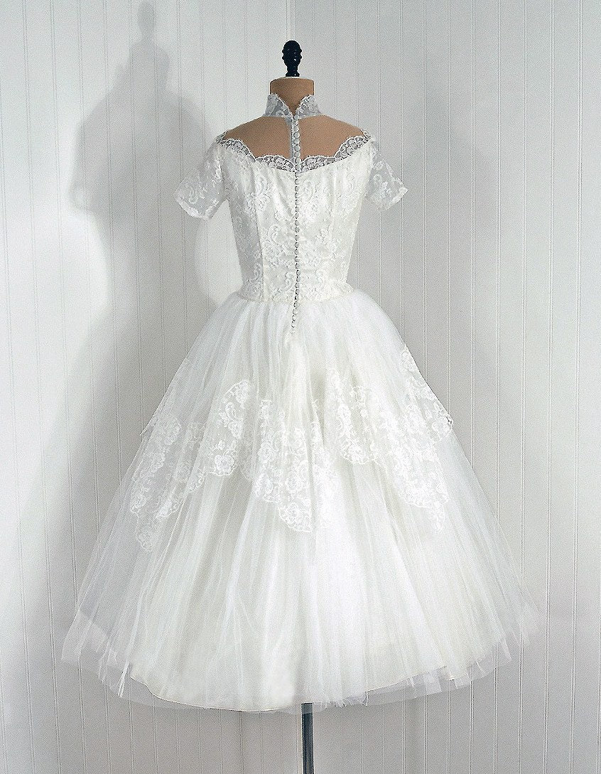 Robe De Mariee Retro Annees 50 Pictures to pin on Pinterest