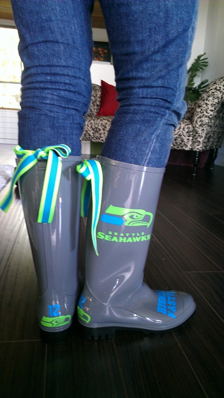 Women shoes online. Where to buy cheap rain boots