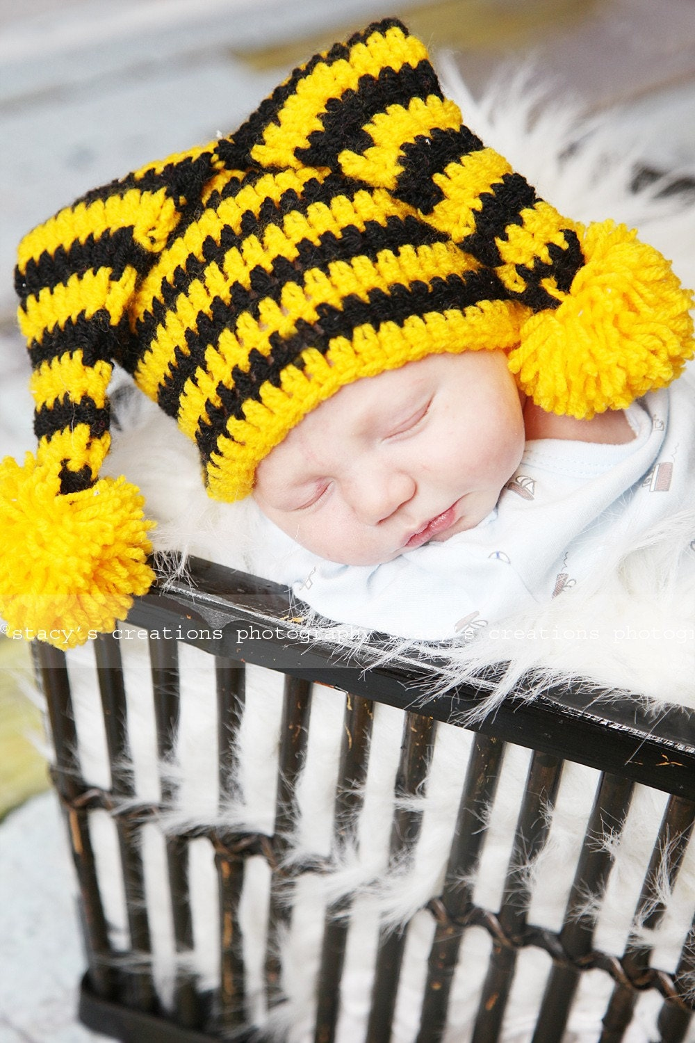 Funny striped bee hat . 0 - 12 month. Great for a gift or for a photo prop. Item 054