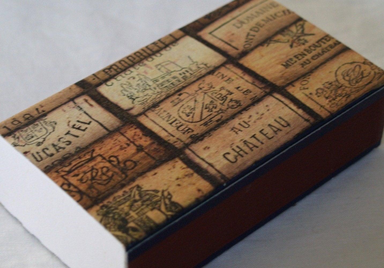 Matchbox with wine cork motif