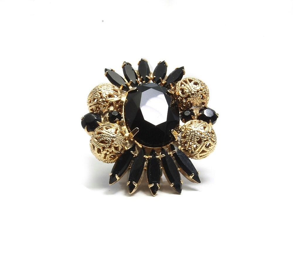 Black and gold designer vintage brooch. DeLizza & Elster Juliana confirmed piece. - DotStitch