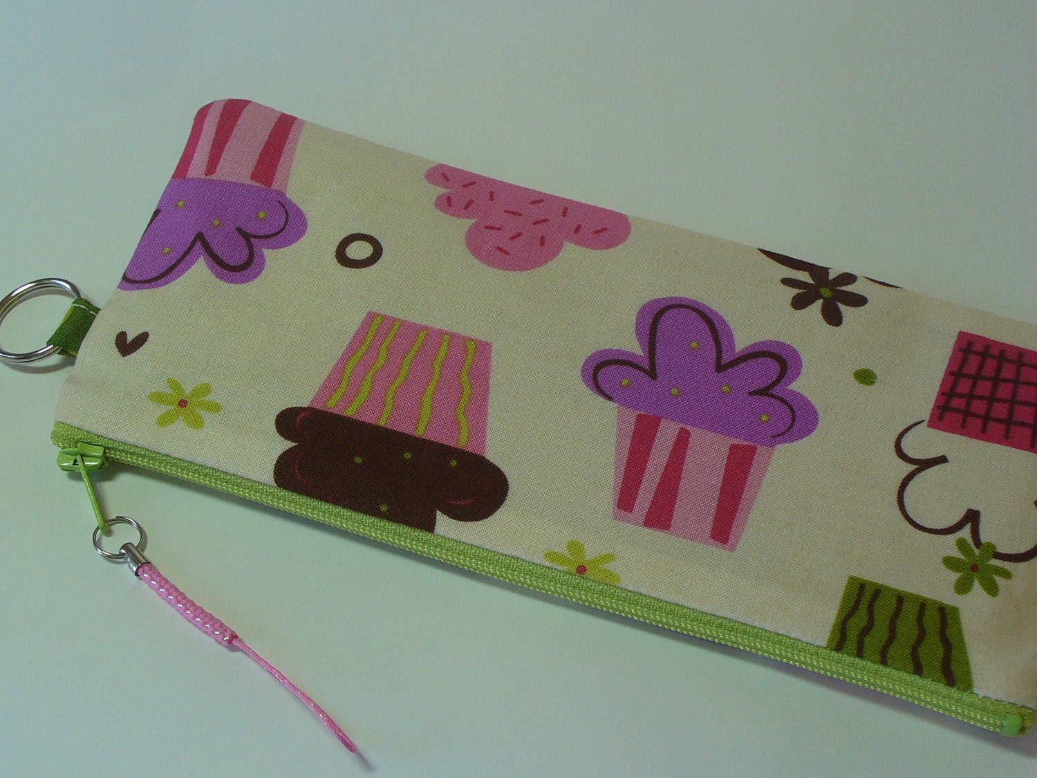 Pencil Zipper Pouch - Yummy CupCakes on Cream Background