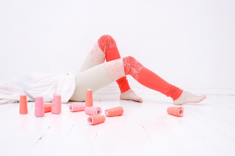 Beige coral geometry - color block leggings - ZIBtextile