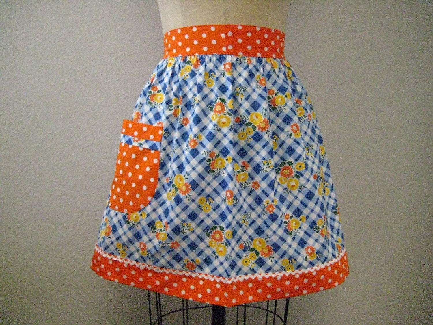 Vintage Inspired Blue and White Picnic Floral Half Apron