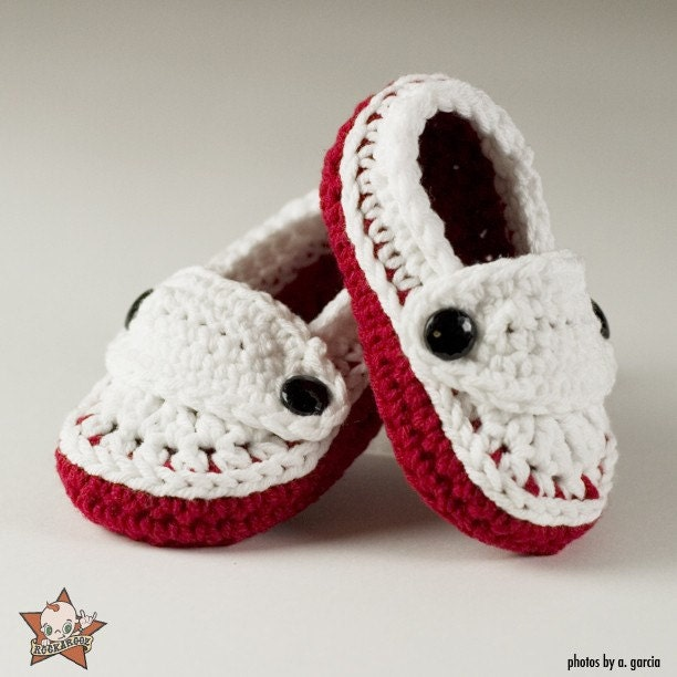 3 to 6 Months Red and White Loafer Booties
