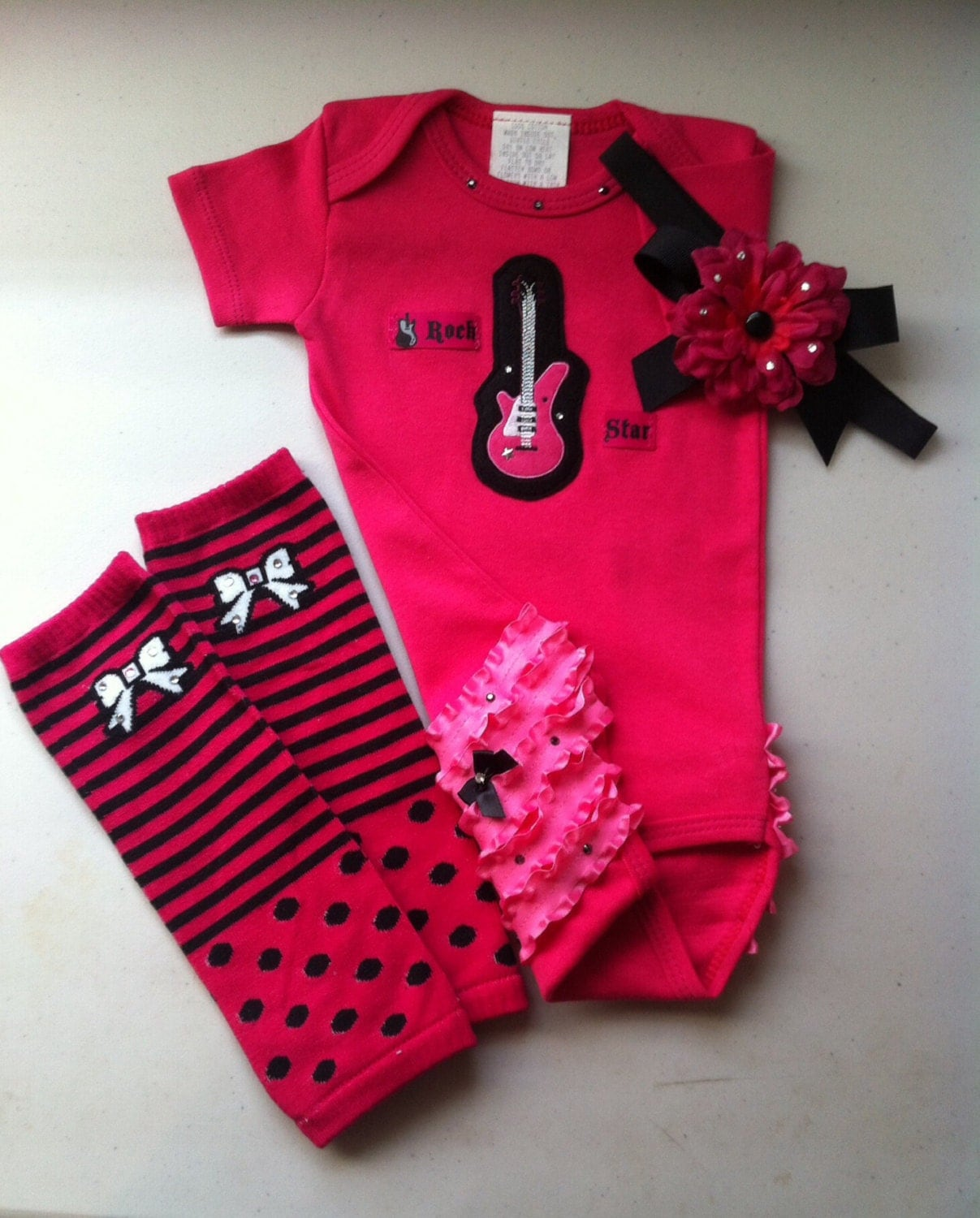 Shop for a wide variety of Texas Long Horn baby clothes, jerseys and infant apparel. Same day shipping and all Texas baby gifts are wrapped in team color tissue paper to .