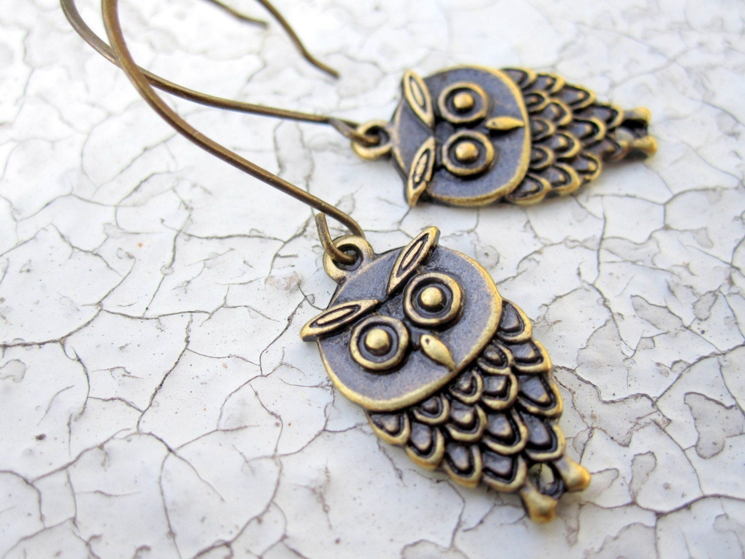 Owl earrings (antiqued brass) - Hoot
