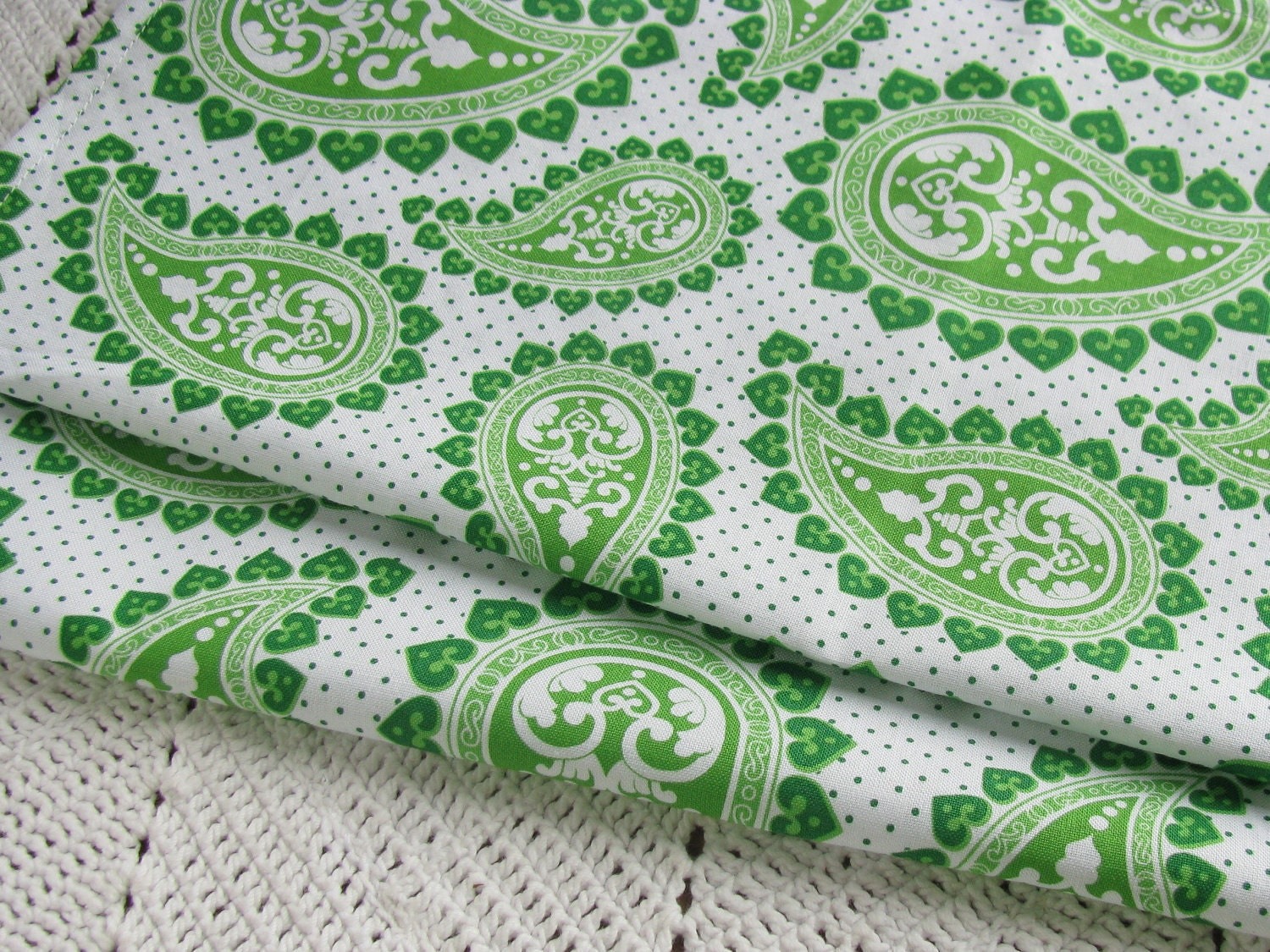 2 Large Single Layer Cloth Napkins - Kelly Green Paisley - veryverdant