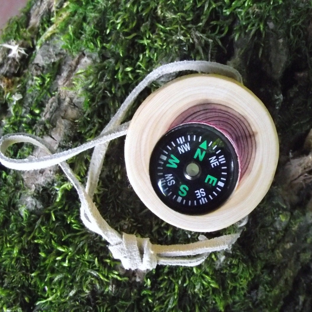 how to use a compass in the woods