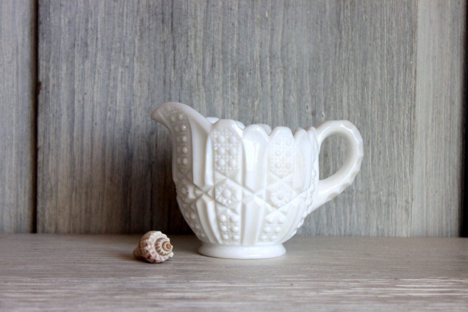 milk glass creamer // small milk glass pitcher // imperial glass // vintage wedding // L50 - umbrellafant