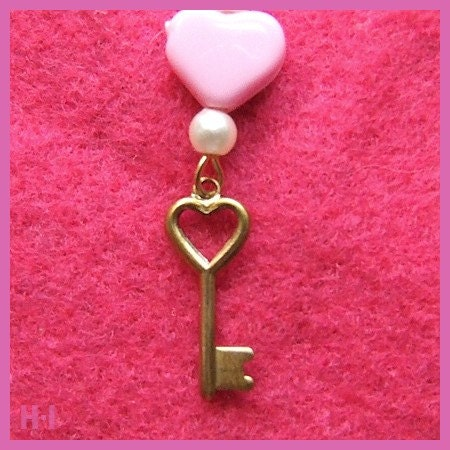 KEY TO MY HEART II - Pink Heart and