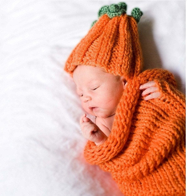Adorable baby set of soft stretchy cocoon and chunky pumpkin (or carrot) hat with scape and leaves. Perfect for photo prop. Size 0-3month. Item 053 My little Pumpkin