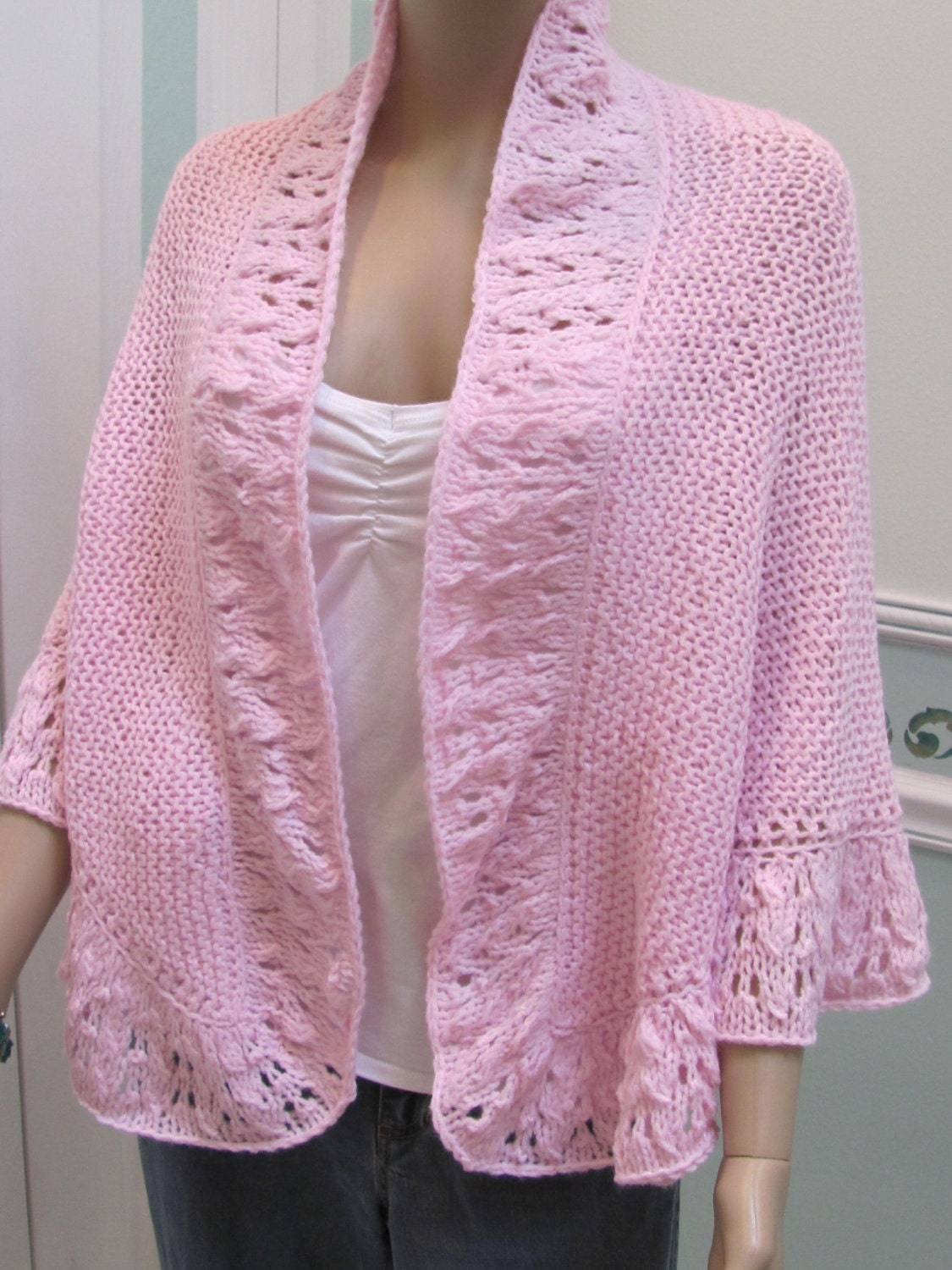 WOMANS KNIT Princess Kate Middleton shawl style by UptownKnits