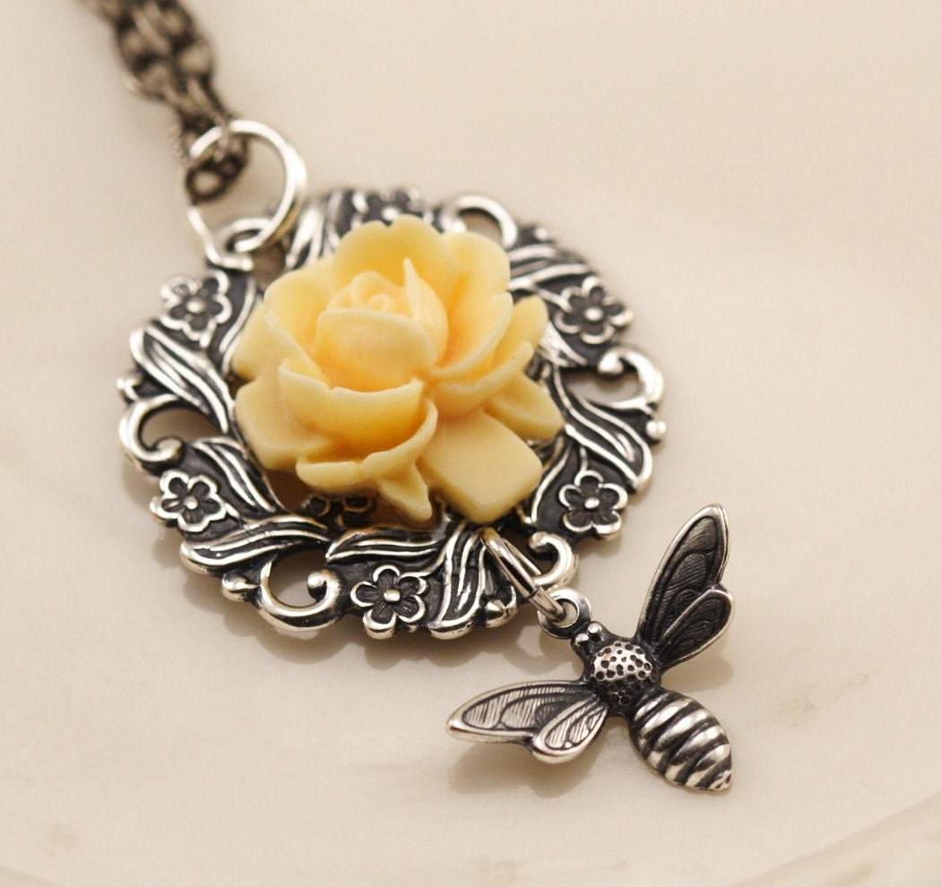 Shipping Included - Vintage Style Silver Bumblebee and Butter Cream Rose Wreath Necklace