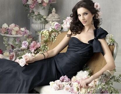 2011 سیاه و سفید ارزان طراحی زیبا لباس ساقدوش عروس