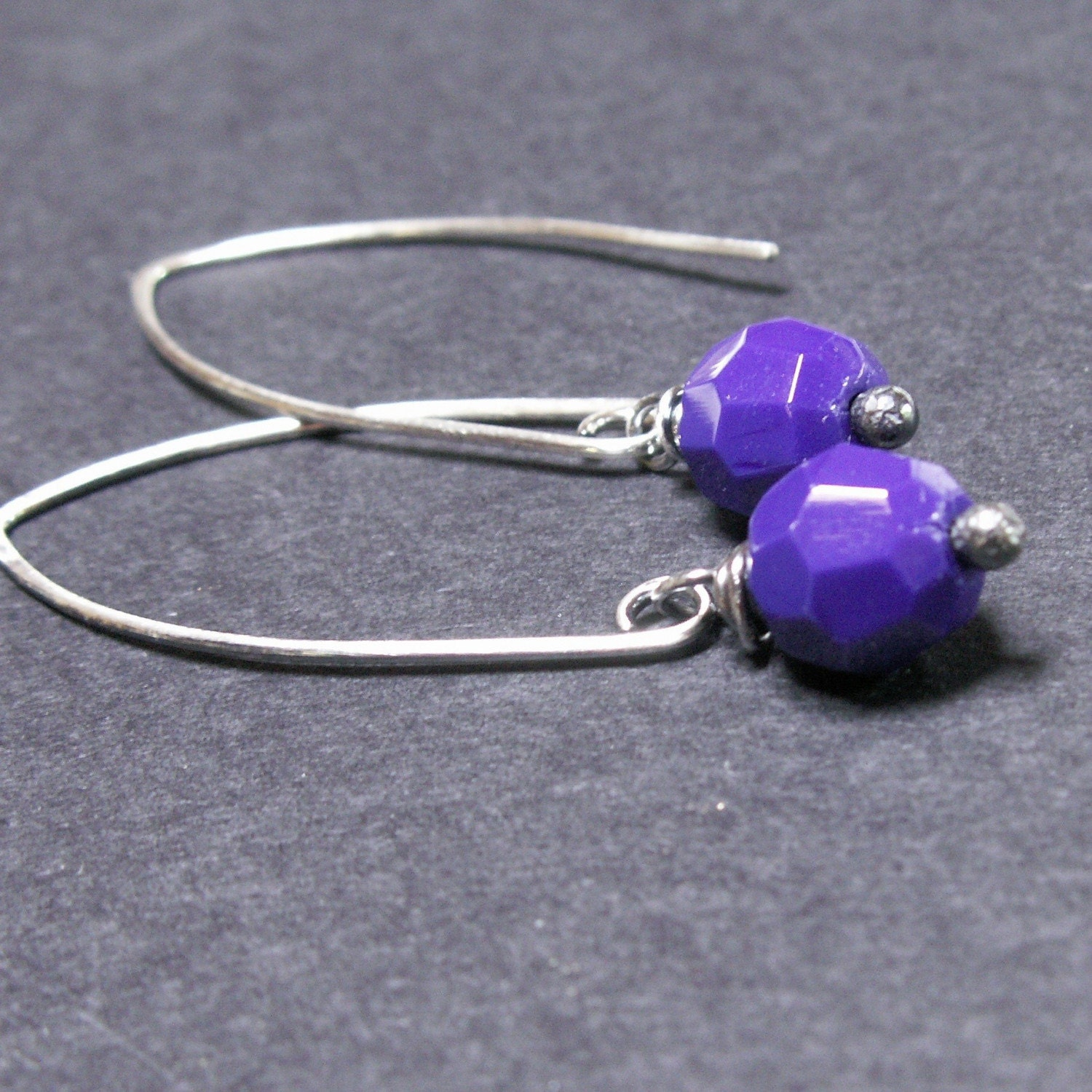 handmade jewelry earrings sterling silver cobalt blue vintage glass beads