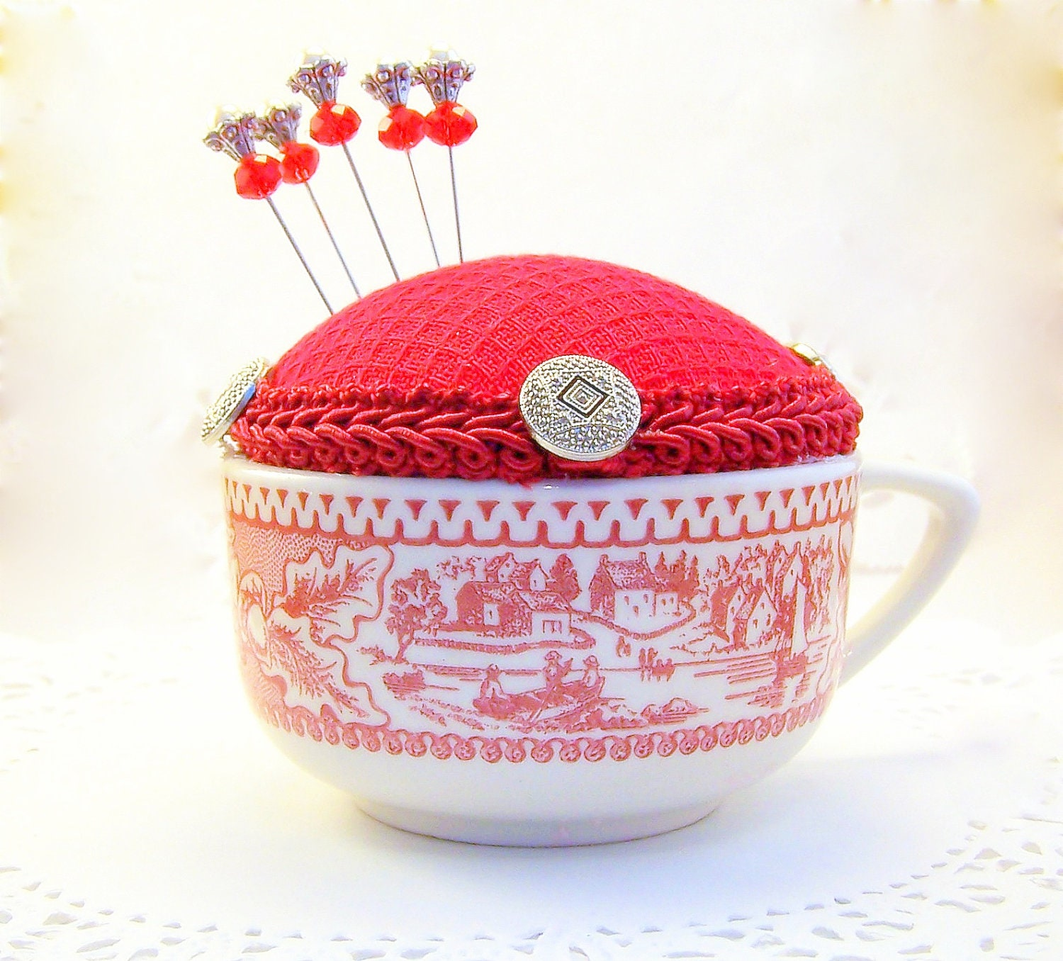 Needlecraft vintage teacup pincushion light red transferware dish holiday gift under 20 straight pins kitchen swing room quilter tagt tenx