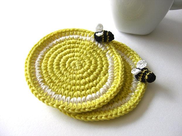 Lime Bee Coasters . Citrus Beverage Drink Acidic Honeybee Honey Serving Bees Decor Crochet Fruit Collection - Set of 2