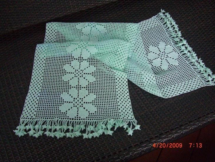 TABLE RUNNER Crochet Pattern - Free Crochet Pattern Courtesy of