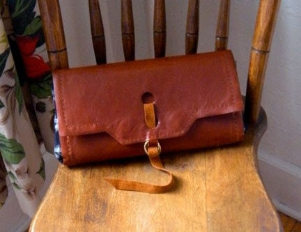 Lady leather clutch