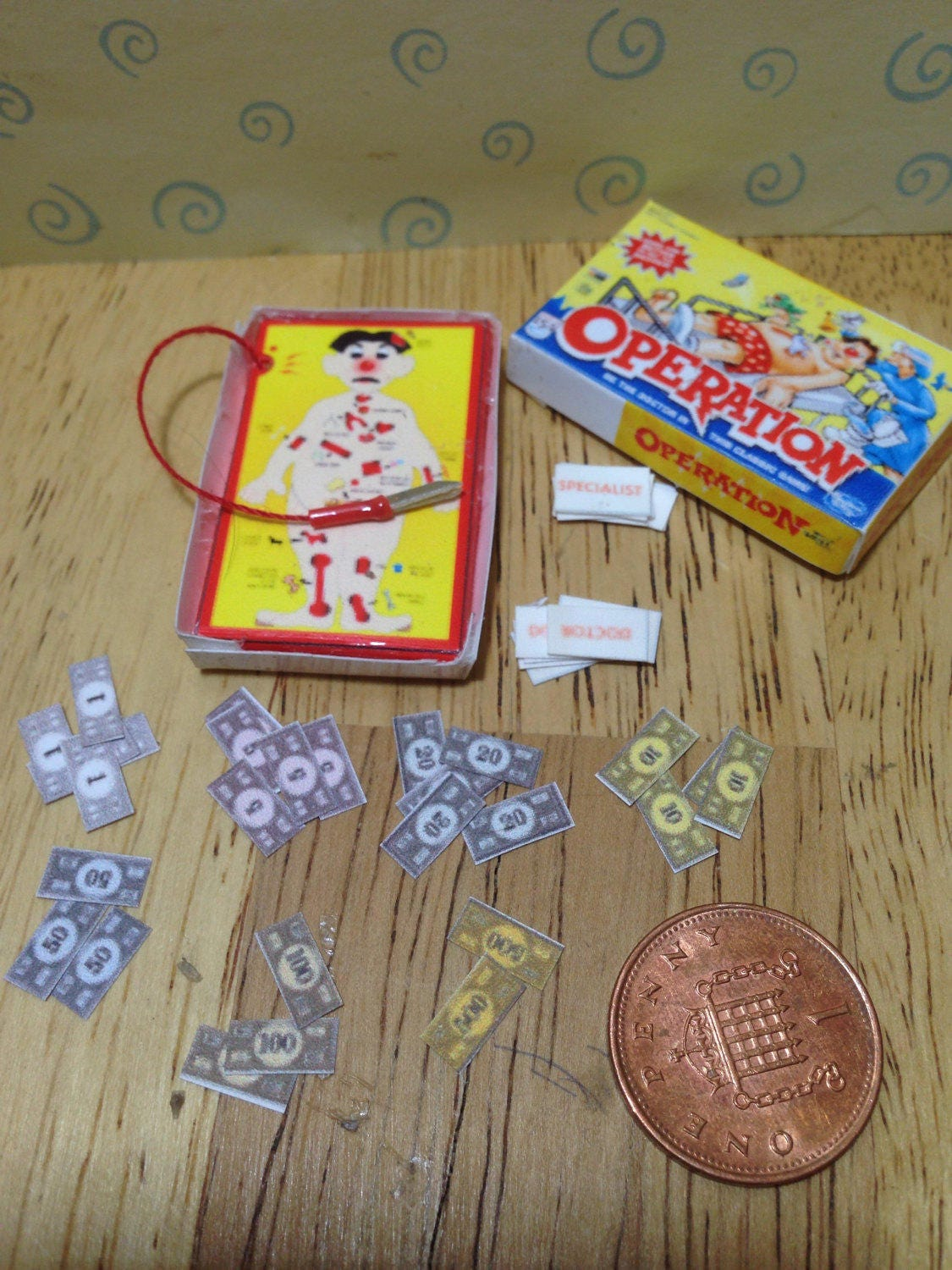 Dolls house miniature replica operation boxed game  for your dolls house nursery 112